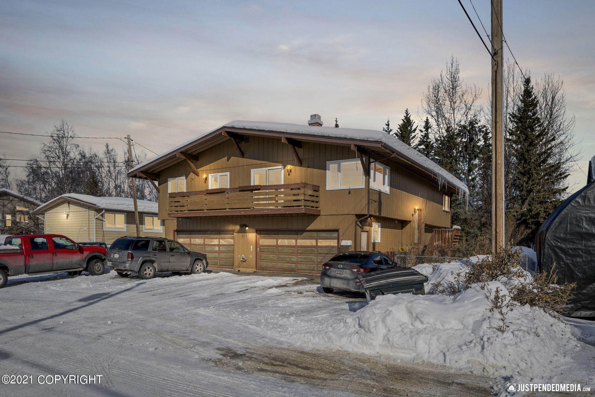 Single Family Homes for Sale at Anchorage, Alaska United States